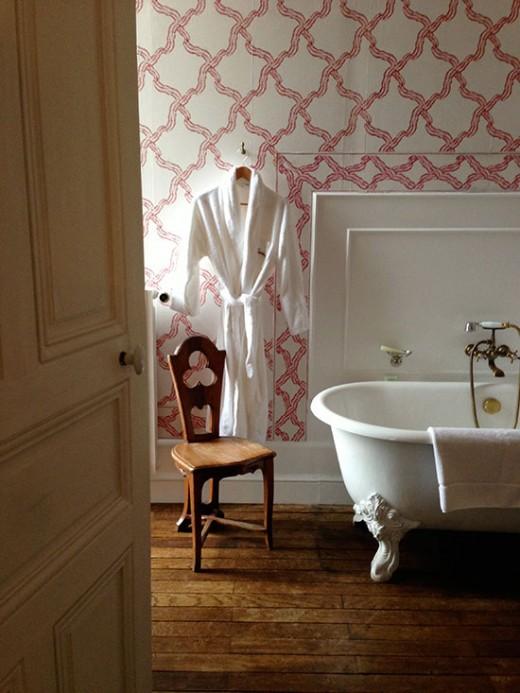 pretavoyager-chateaucanisy-bath-robe