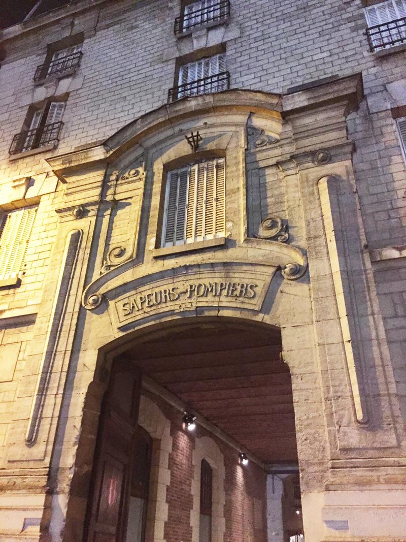 Nuit blanche paris 2015 pr t voyager for Maison blanche boite de nuit paris