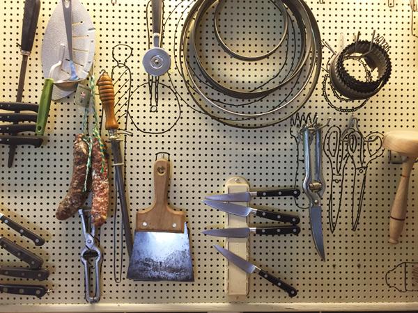 PAV-JuliaChild-LaPitchoune-kitchen